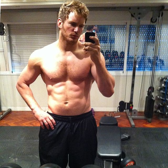 Arm, Leg, Room, Human leg, Chest, Human body, Physical fitness, Chin, Wrist, Shoulder,