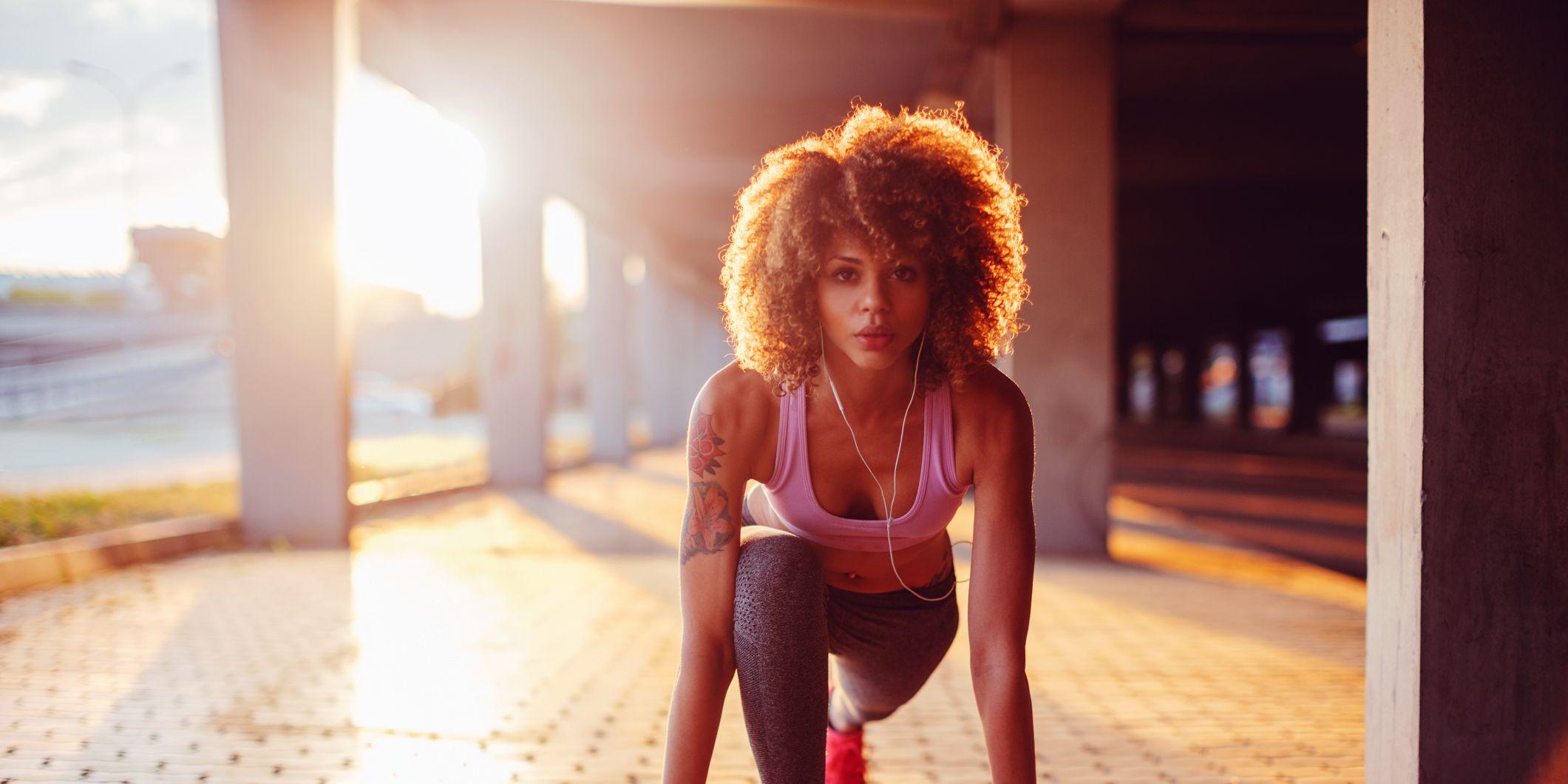 esercizi per rassodare cosce e glutei