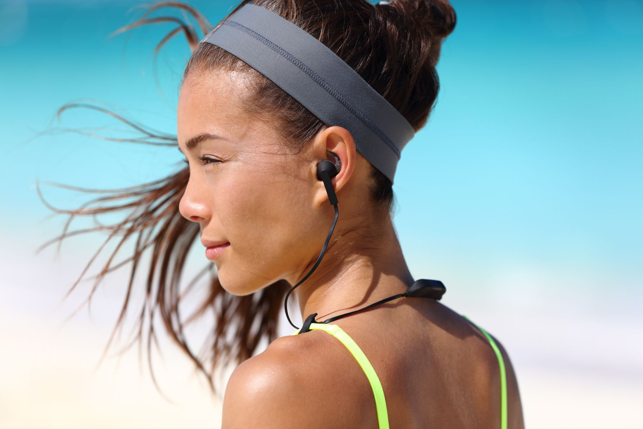 10 Of The Best Wireless Headphones For Runners