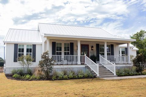 Why Chip and Joanna Gaines' Fixer Upper Houses Are Hard to Sell