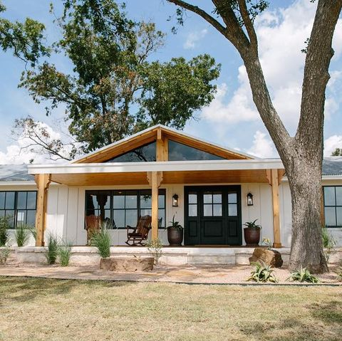 """HGTV """"Fixer Upper"""" Paw Paw's House from Season 3 Episode 7"""