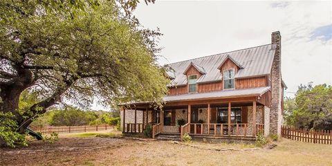 fixer upper season 1 farmhouse for sale