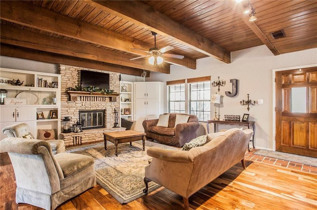 fixer upper season 1 farmhouse for sale