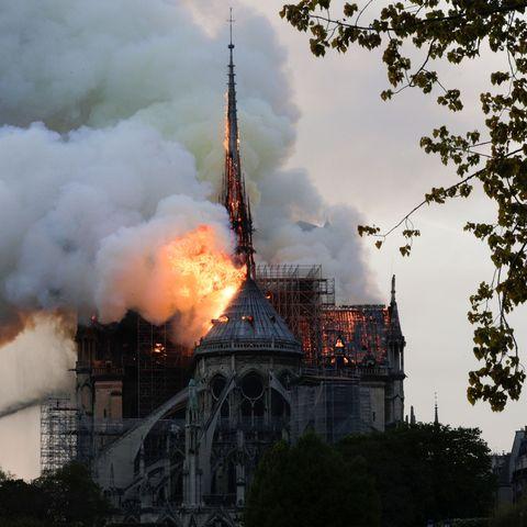 TOPSHOT-FRANCE-FIRE-NOTRE-DAME cathedral burning