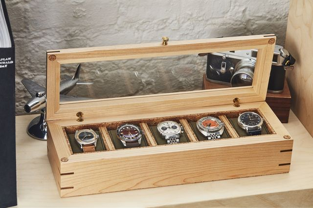 analogshift x wolf flatiron watch box