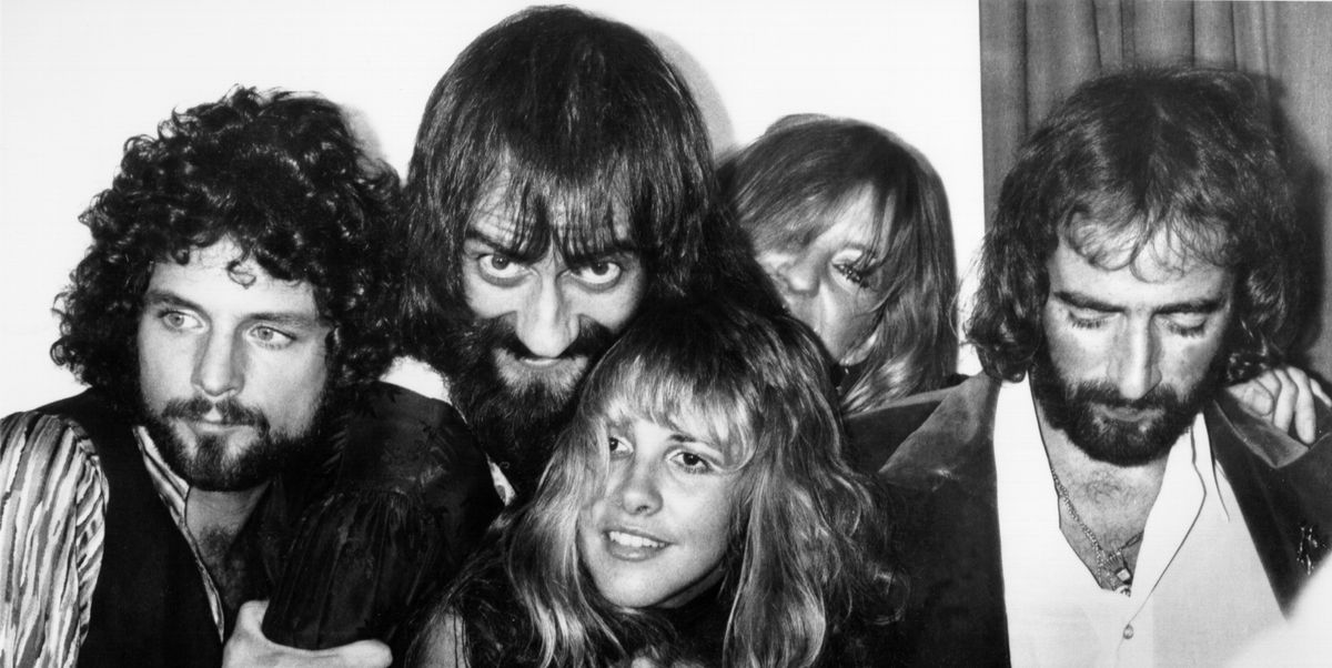 Go Back In Time With 50 Iconic Photos of Musicians Backstage in the '70s