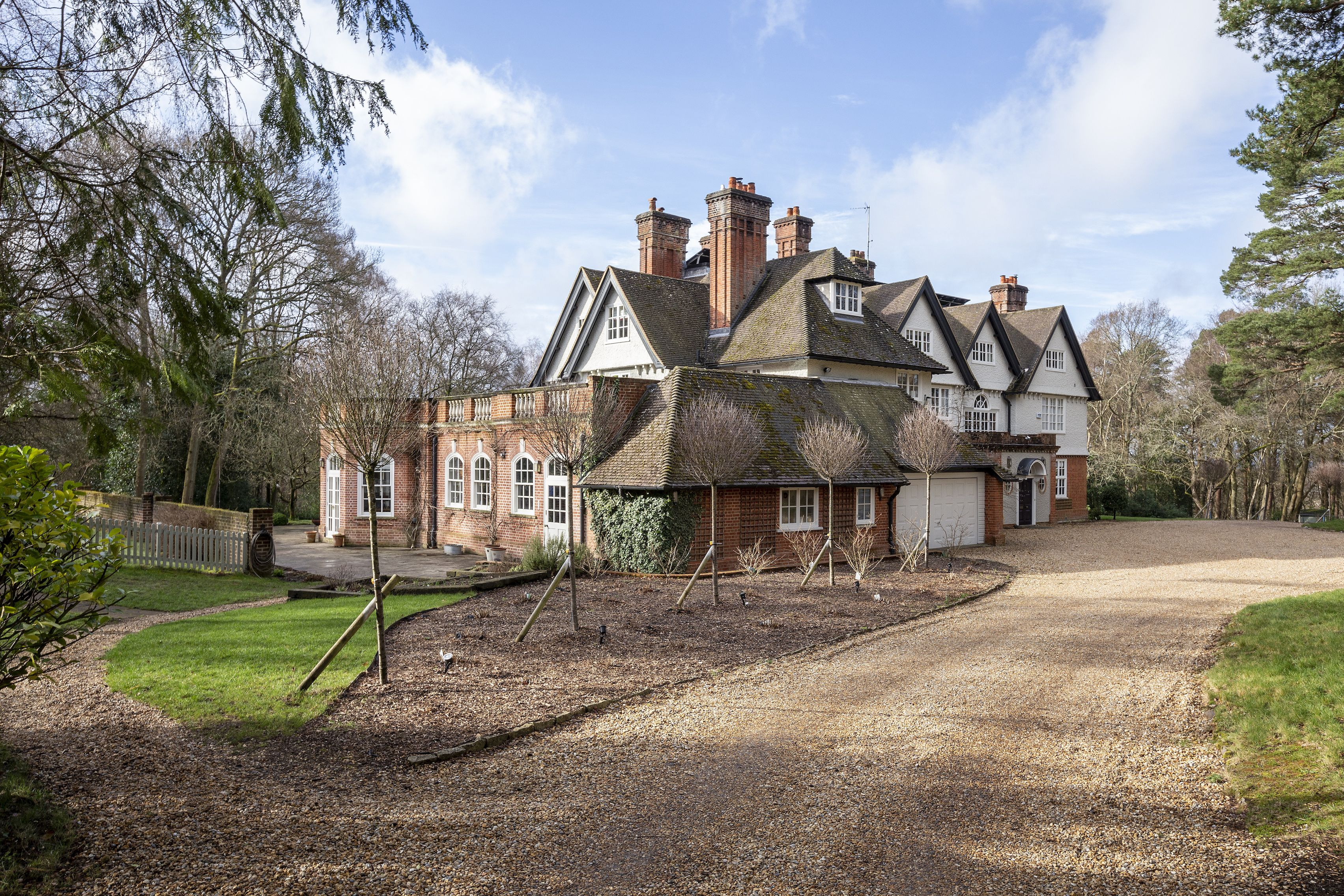 11-bedroom Hampshire home once owned by Fleetwood Mac founder for sale