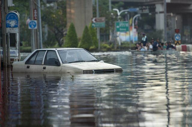 flash floods, difference between flash floods and normal floods, how do flash floods occur, what is a flash flood
