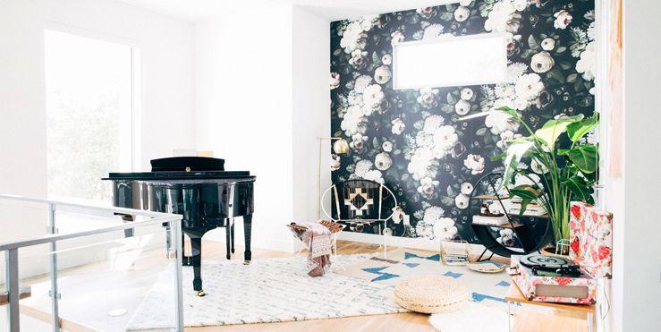A Modern House In Denver Colorado Makes Fl Prints Contemporary Accent