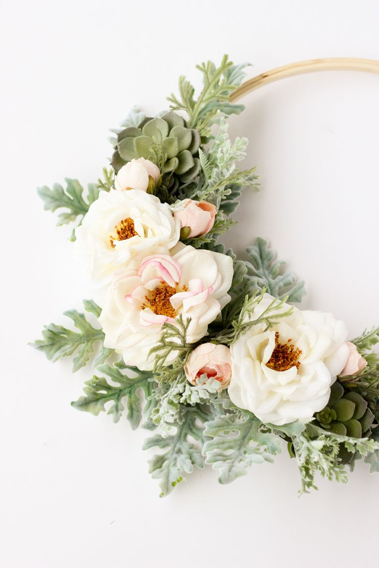 25 Easy Flower Crafts