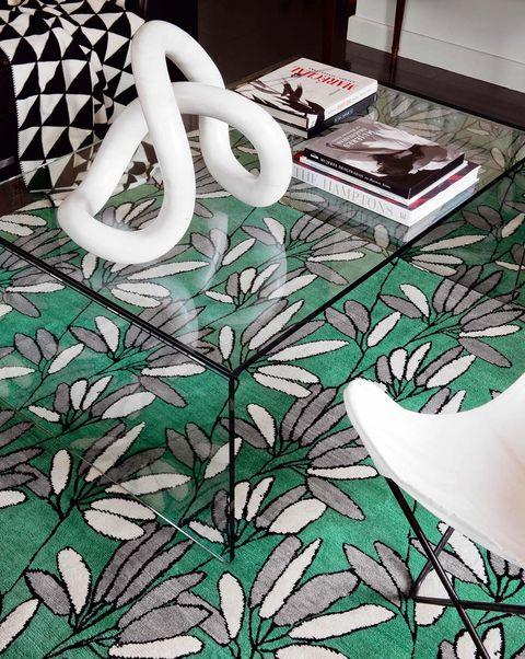 alfombra con estampado de flores