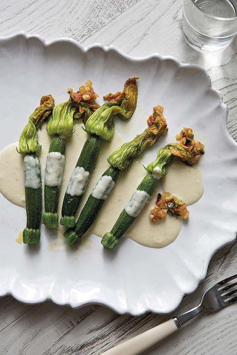 flores de calabacín en salsa