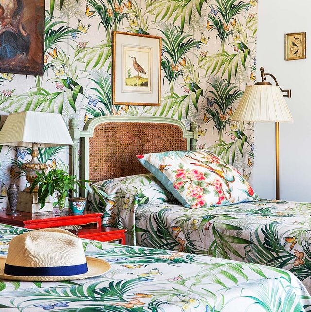 dormitorio con estampados vegetales