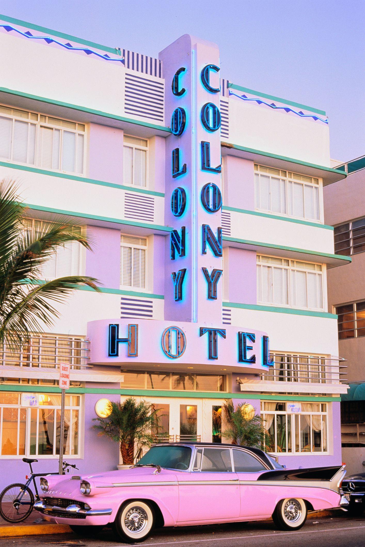 USA, Florida, Miami Beach, classic car outside Art Deco hotel