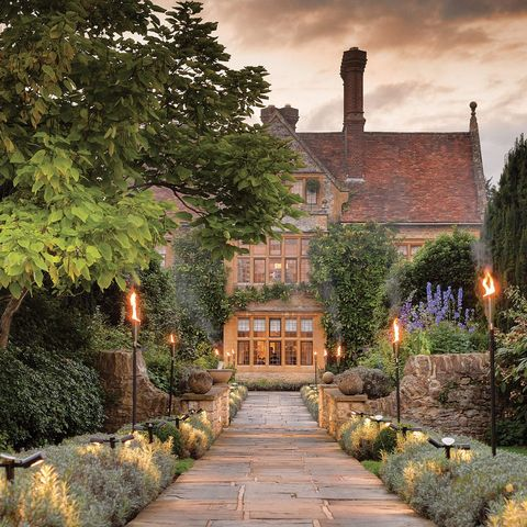 Floristry courses and cookery - A day trip experience at Belmond Le Manoir