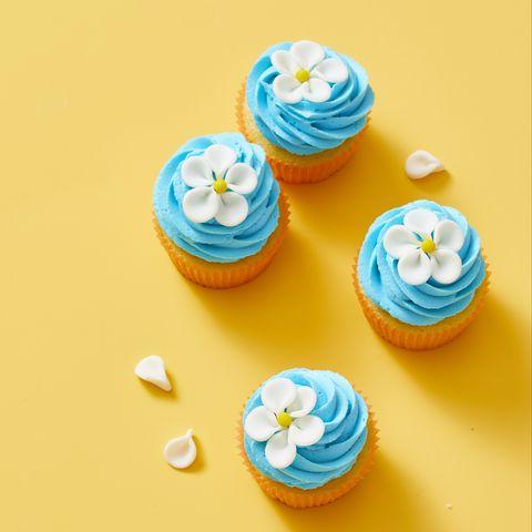 Easy flower cupcakes - flower cupcake step by step