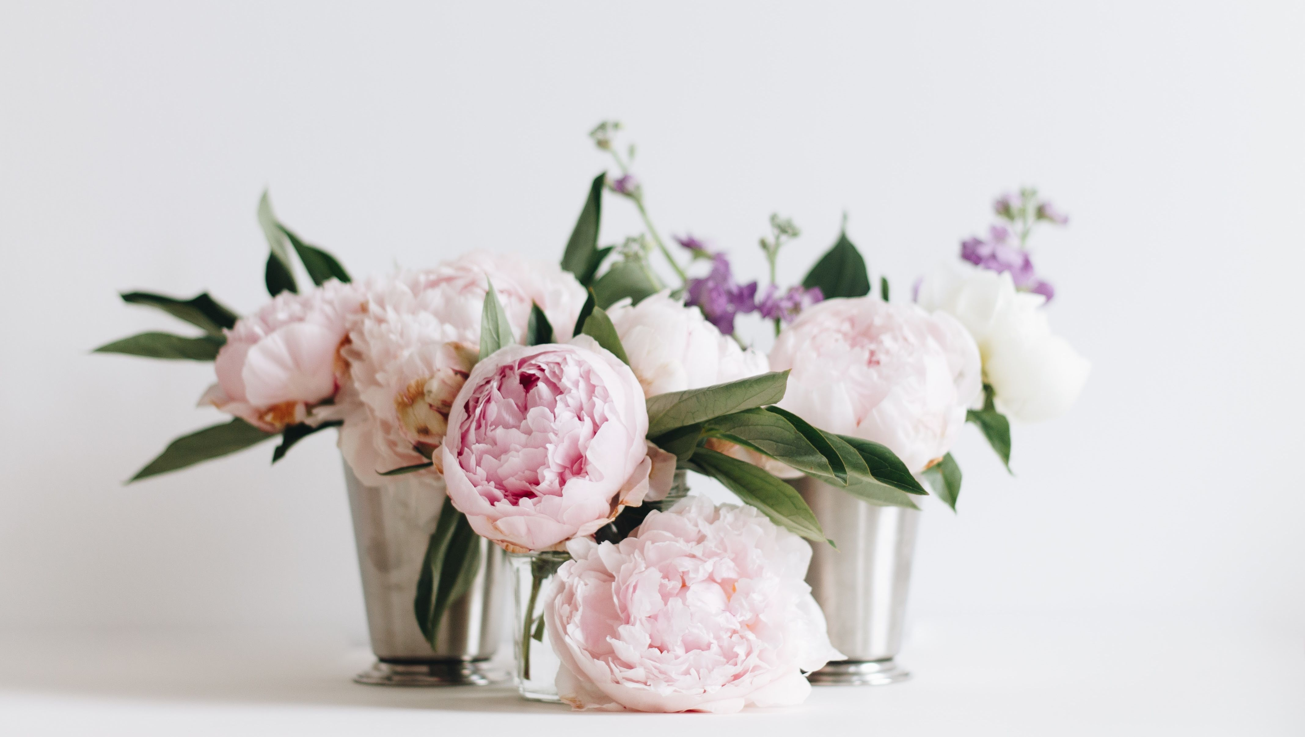 The 7 flower arranging trends to try in 2019, according to Bloom & Wild