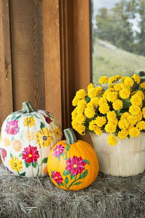 pumpkin fall porch decor