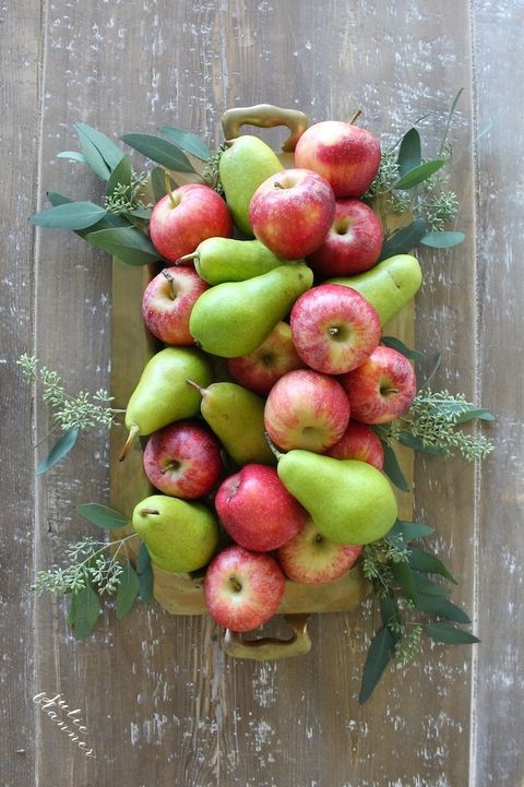 Fruit, Food, Plant, Natural foods, Apple, Produce, Local food, Flowering plant, Vegetarian food, Flower,