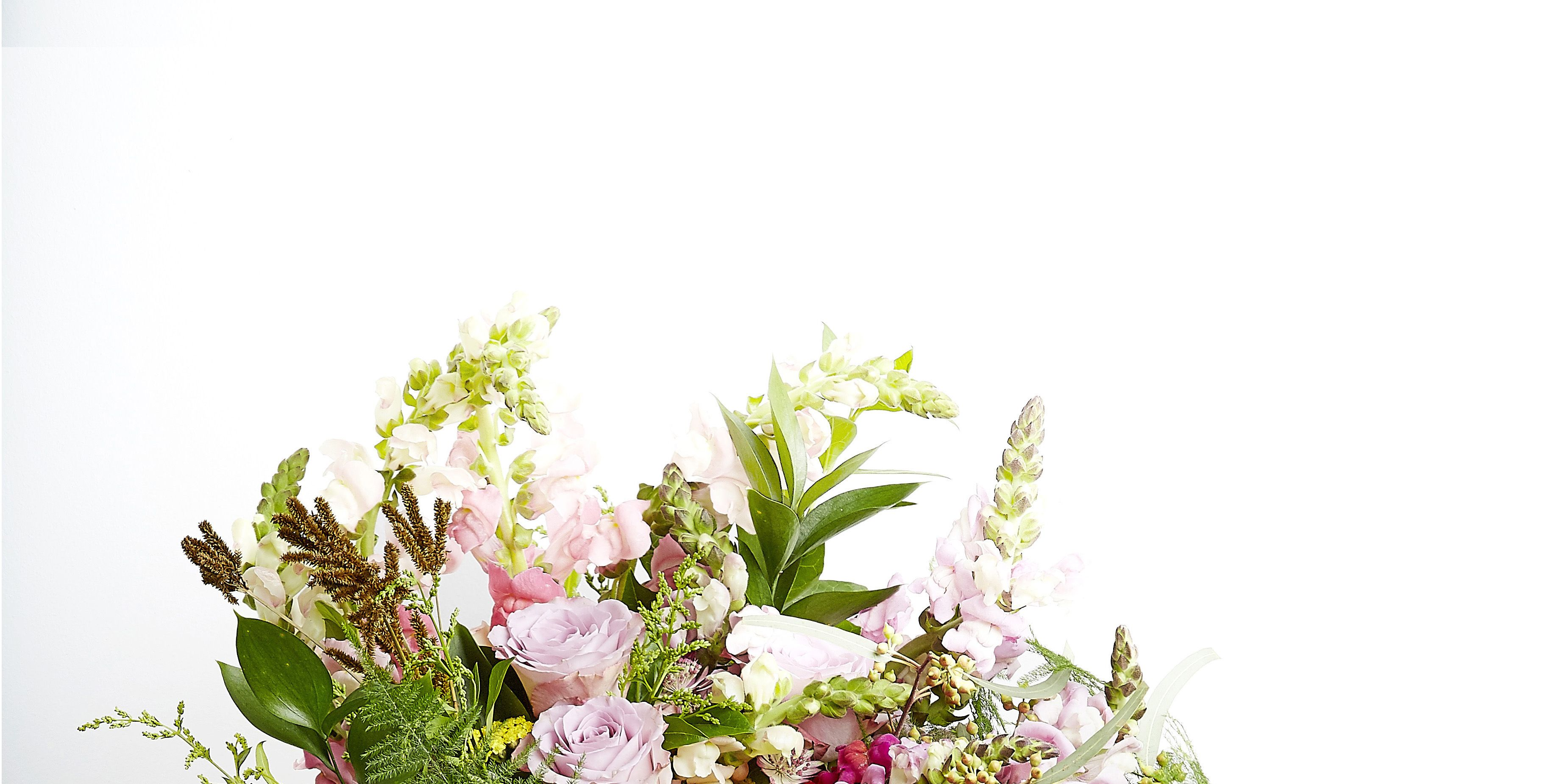 Hayfever-friendly flower bouquet - Grace & Thorn - Funnyhowflowersdothat.co.uk- Flower Council of Holland
