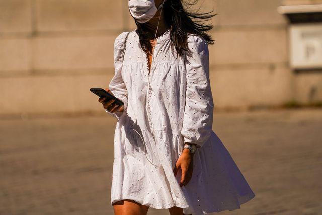 fondotinta e mascherina