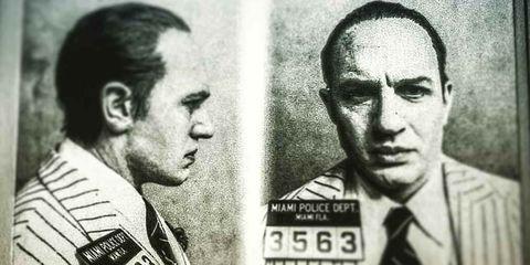 Tom Hardy caracterizado como Al Capone