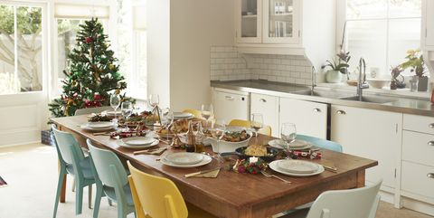 25 Christmas Kitchen Decor Ideas - How to Decorate Your ...