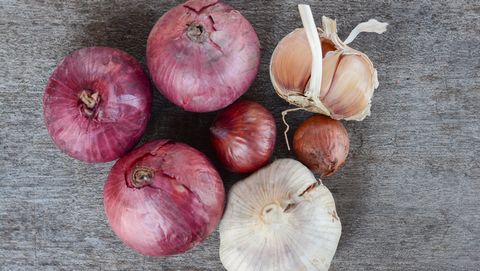 foods to avoid with IBS onions garlic