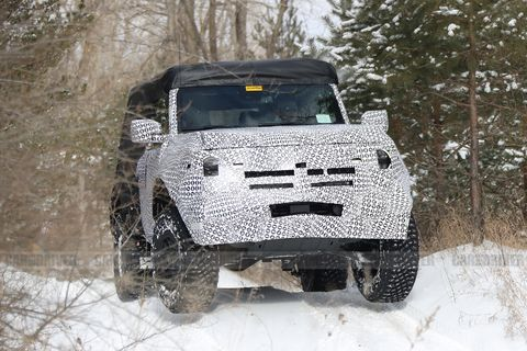 Land vehicle, Vehicle, Off-roading, Car, Off-road vehicle, Automotive exterior, Off-road racing, Automotive tire, Mud, Tire,