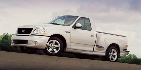 Ford Svt Lightning >> The 2001 Ford Svt F 150 Lightning Hauls Tire Smoke