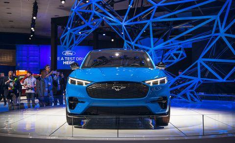 Land vehicle, Vehicle, Car, Auto show, Automotive design, Motor vehicle, Mini SUV, Ford motor company, Automotive exterior, Mid-size car,