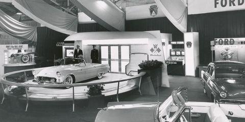 Classic car, Classic, Ceiling, Antique car, Automotive lighting, Hood, Vehicle door, Windshield, Machine, Personal luxury car,