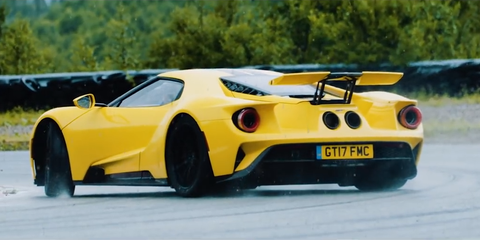 Land vehicle, Vehicle, Car, Sports car, Supercar, Automotive design, Coupé, Yellow, Race car, Performance car,