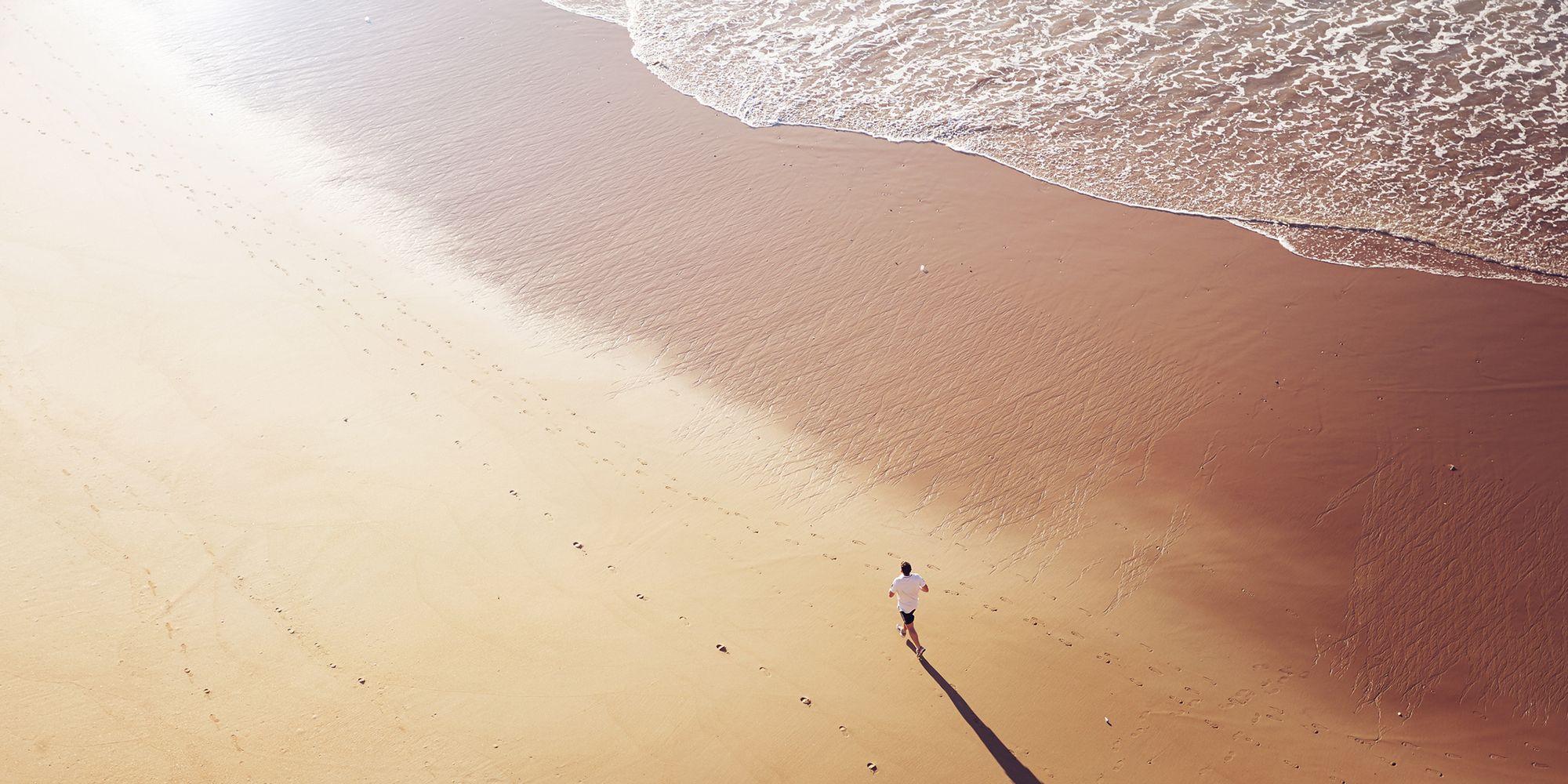 4 modi per tenerti in forma anche al mare