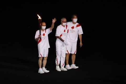 東京奧運聖火優雅到不行!311災區廢料搖身一變超美櫻花火炬,零接縫日本工藝令人佩服