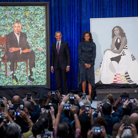 obamas with portraits
