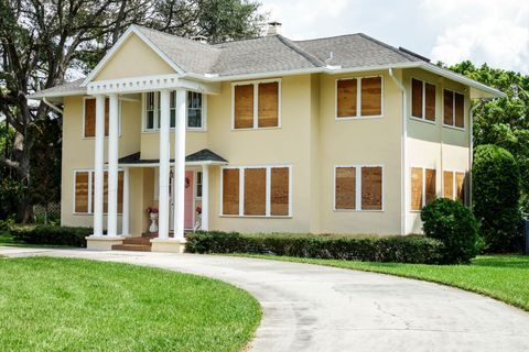 Fort Myers, Seminole Park Historic District, home with boarded up windows