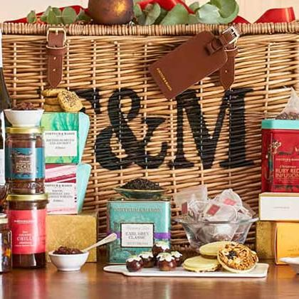 Christmas Hampers 2019.The Strawberry Thief Liberty Christmas Hamper