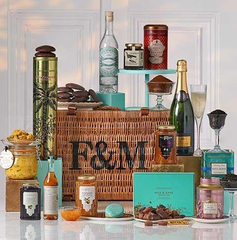 Glass bottle, Product, Liqueur, Bottle, Shelf, Drink, Room, Alcoholic beverage, Still life, Distilled beverage,