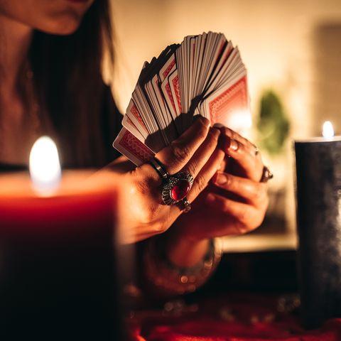 fortune teller reading tarot