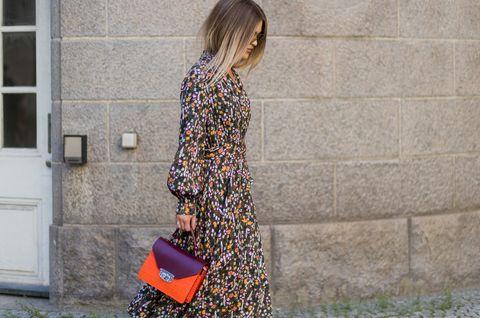 Sleeve, Bag, Pattern, Door, Dress, Street fashion, Fixture, Home door, Day dress, One-piece garment,
