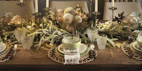 Decoration, Centrepiece, Room, Lighting, Interior design, Dining room, Floral design, Table, Floristry, Light fixture,