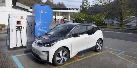 punto carga coche electrico almacenamiento energia