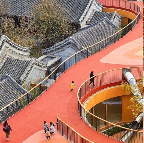 mad建築事務所改造北京百年四合院,漂浮屋頂、透明學習空間打造絕美幼兒園