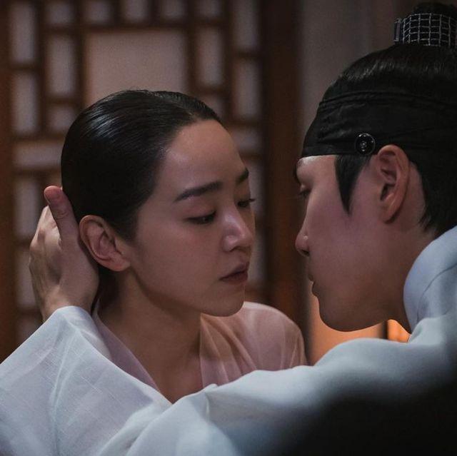 《哲仁王后》14集爆笑床戲劇情:中殿娘娘喝酒誤事「睡了」哲宗 醒來崩潰