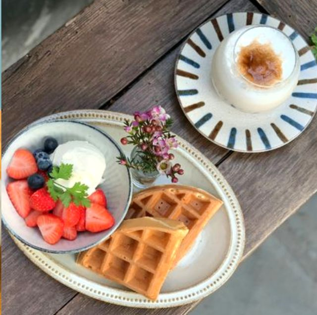 Dish, Food, Cuisine, Frozen dessert, Ingredient, Dessert, Sweetness, Semifreddo, Strawberries, Baked goods,