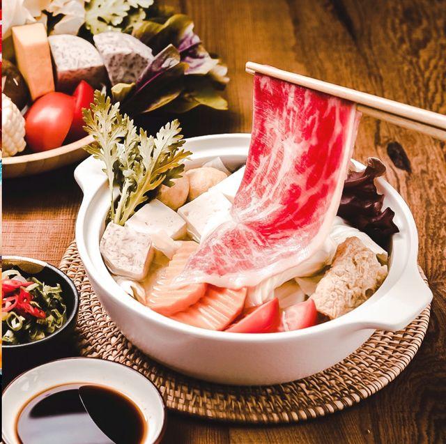 Food, Dish, Cuisine, Japanese cuisine, Comfort food, Ingredient, Shabu-shabu, Chinese food, Soup, Seafood,