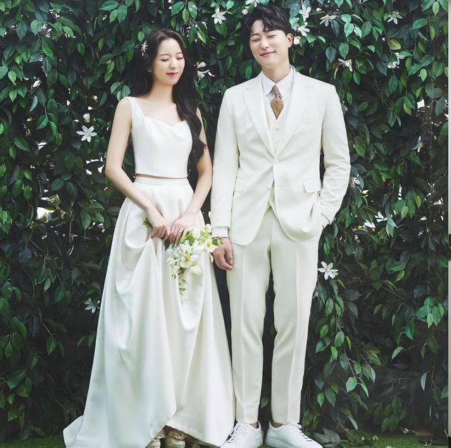 2021純白「輕婚紗」洋裝推薦!時髦新娘婚禮怎麼穿?法系、韓系,31款婚紗一次看