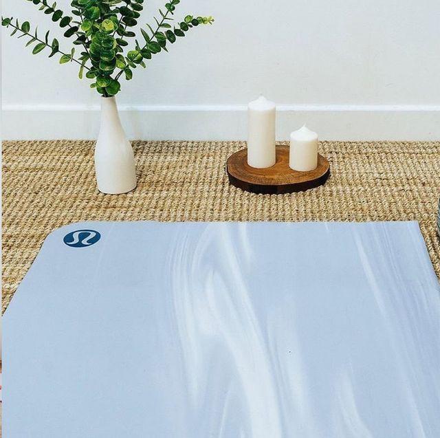 20款超美「瑜伽墊」推薦!大理石紋、夢幻繽紛色,陪你時髦做瑜伽!(內附價格)