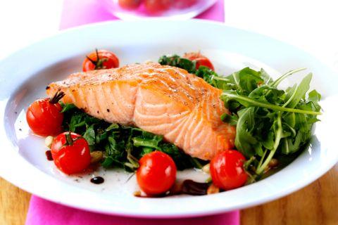 燃脂食物,酪梨,鮭魚,堅果,豆類,蔬菜,咖啡,椰子油,�莓果,大骨湯,減肥,減脂,飲食,beauty